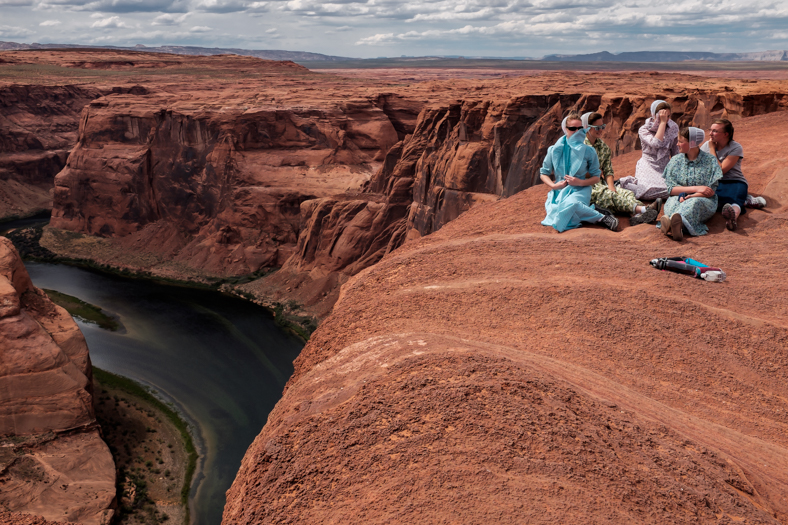 Women at Horseshoe Bend