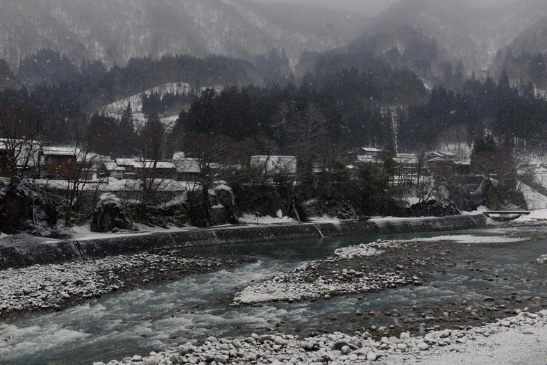 Sho River - Shirakawago   George Nobechi