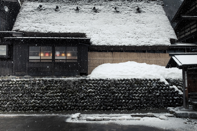 Shirakawago Snow - Lamps - Windows   George Nobechi